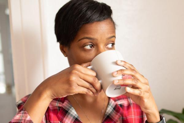 relaxing-drinking- tea