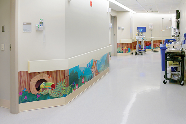themed-mural-in-hospital-hallway