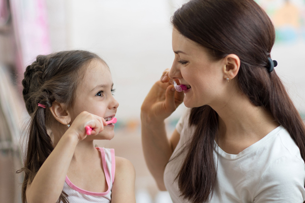 brush-your-teeth-with-your-kids